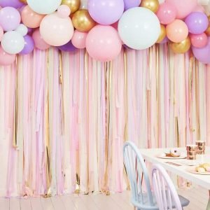 backdrop photobooth roze linten balonnen