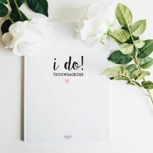 Trouwdagboek-huwelijksdag-herinniering-boek